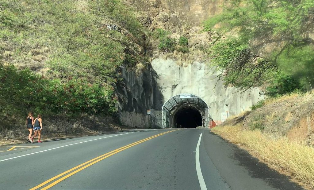ダイヤモンドヘッドトンネル